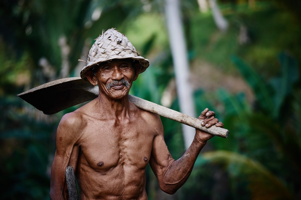 働く老人・高齢者