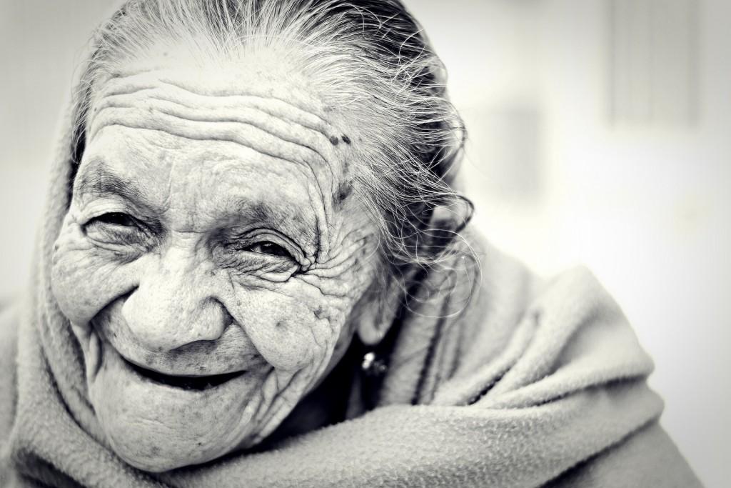 おばあちゃん笑み