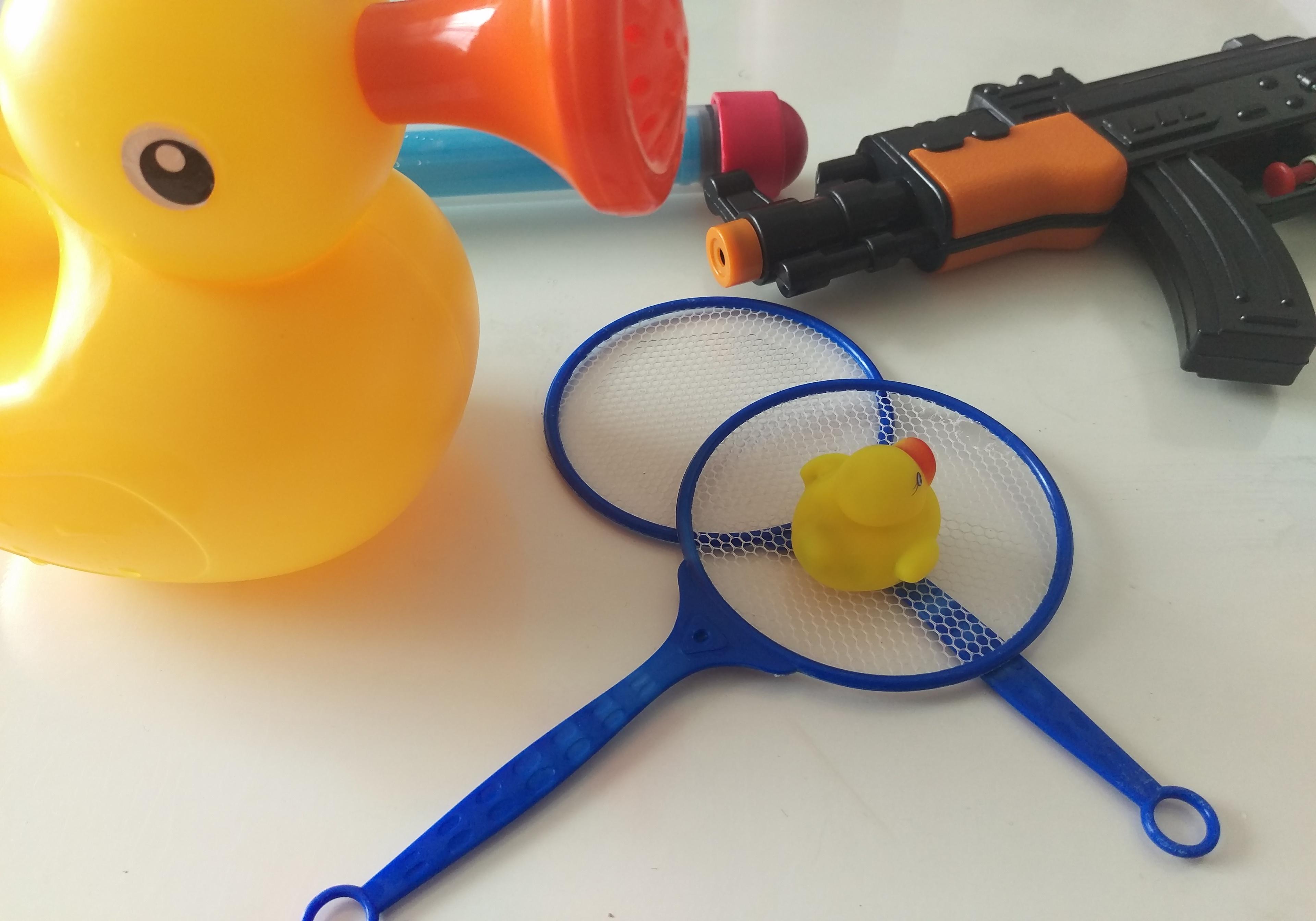 水鉄砲やジョウロなど水のおもちゃ