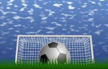 サッカーボールと空
