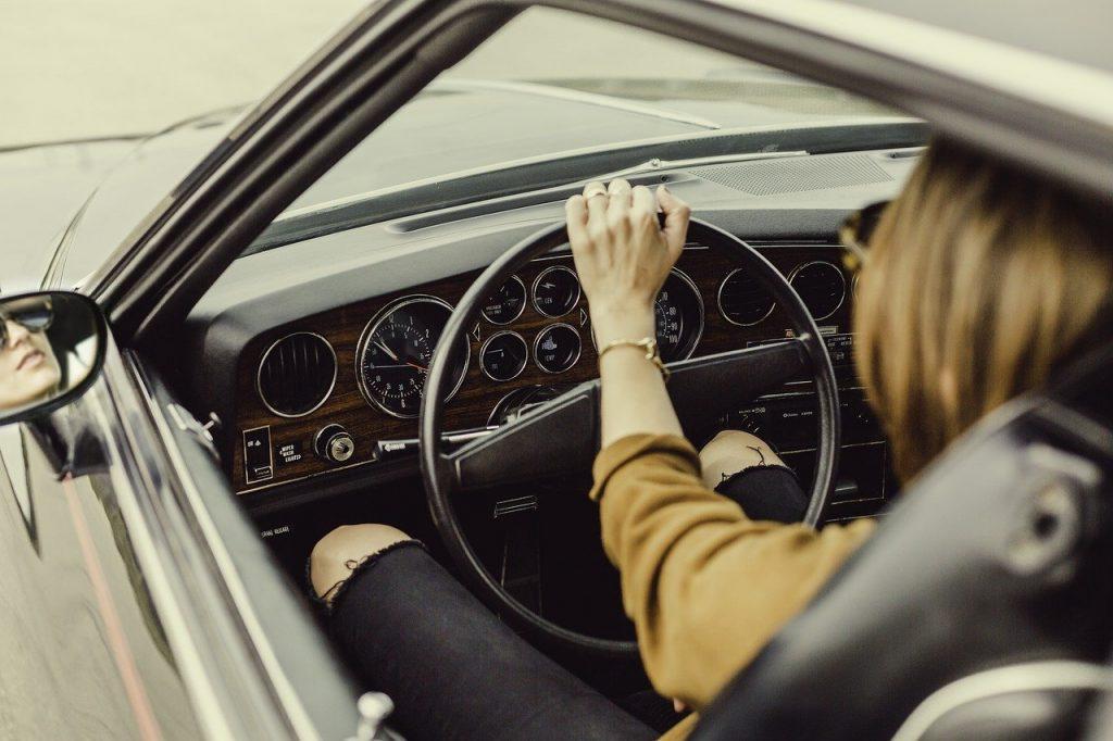 車の運転・ドライバーのイメージ画像