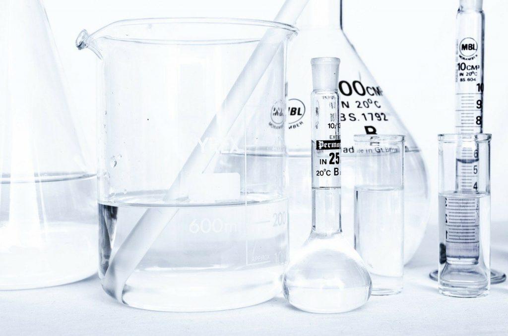 化学実験の道具・科学のイメージ