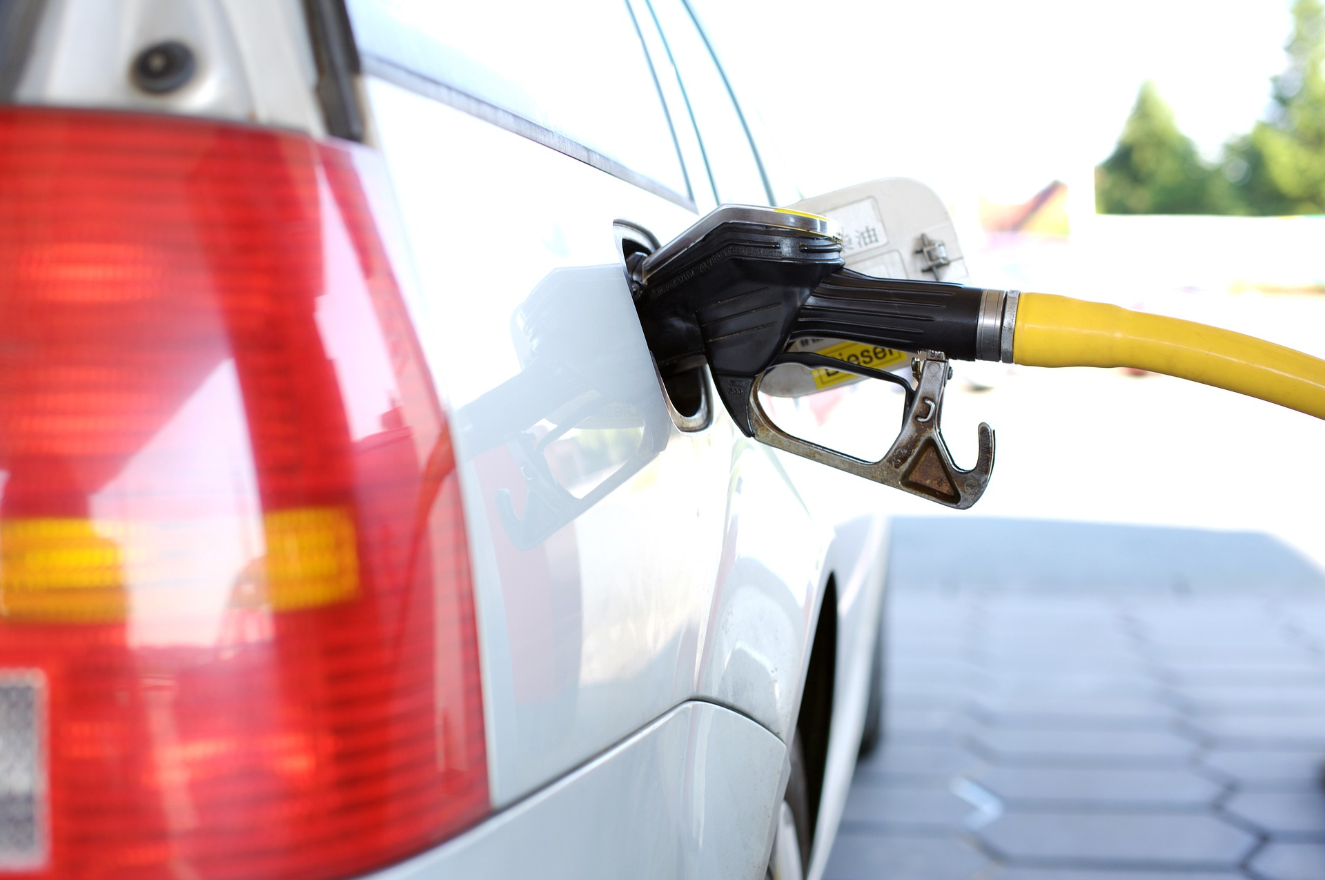ガソリンスタンド・石油の日のイメージ画像
