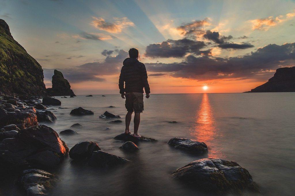 海に沈む夕日・夏の終りの画像