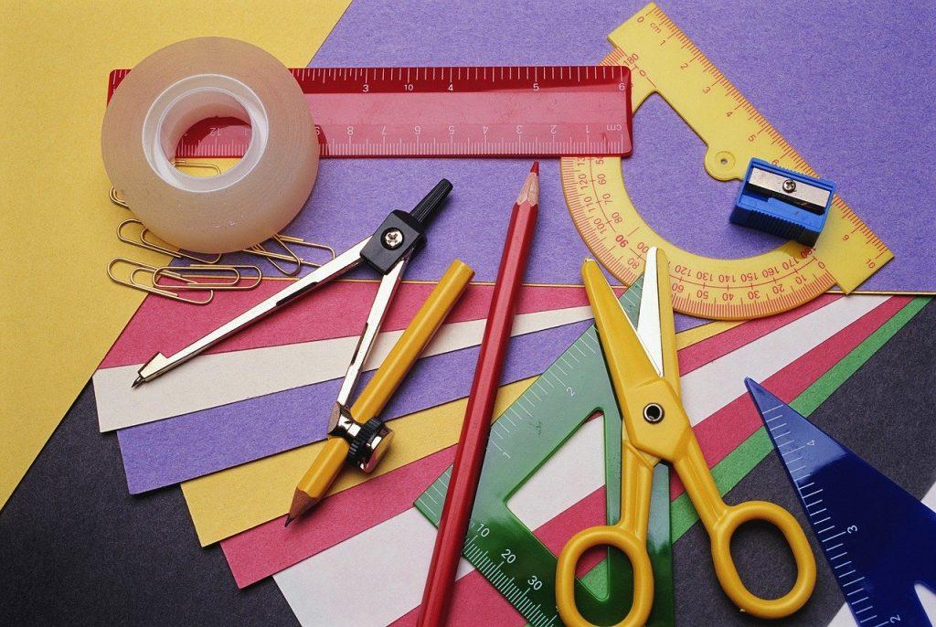 お絵かき・工作の道具のイメージ画像
