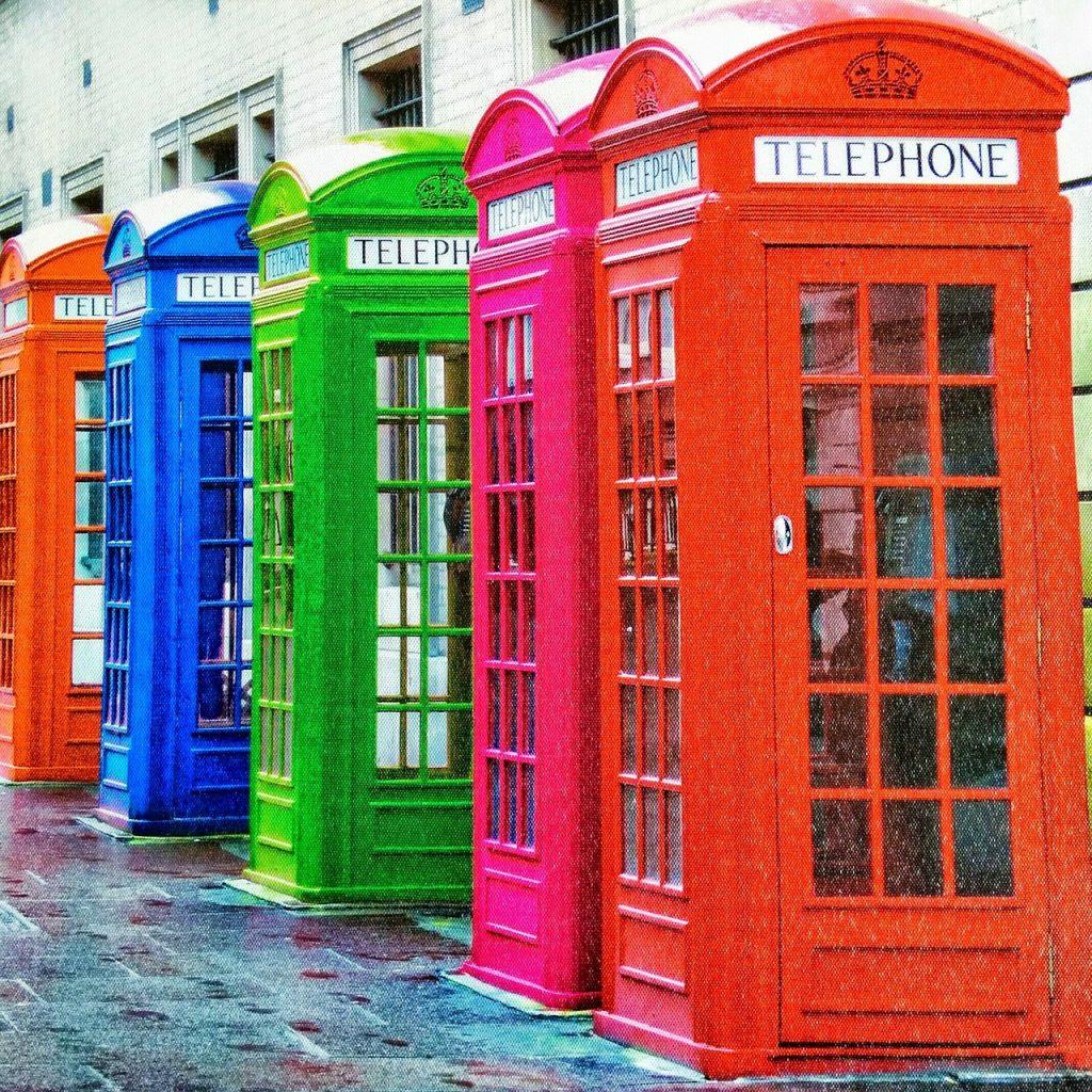 公衆電話の電話ボックス