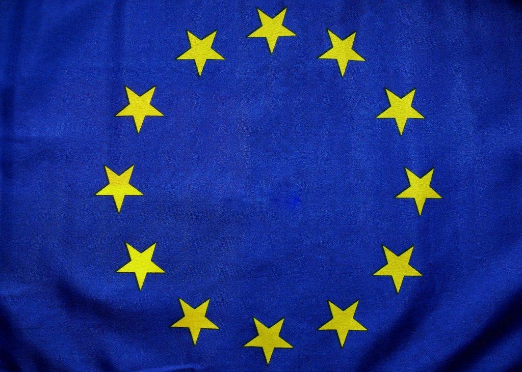 EU・欧州連合の旗、EU誕生のイメージ